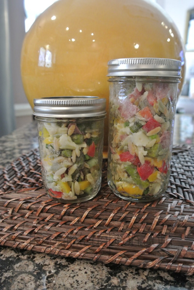 chopped salad in a jar thepaintedapron.com