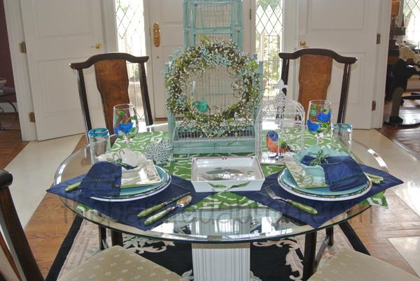 bluebird table thepaintedapron.com