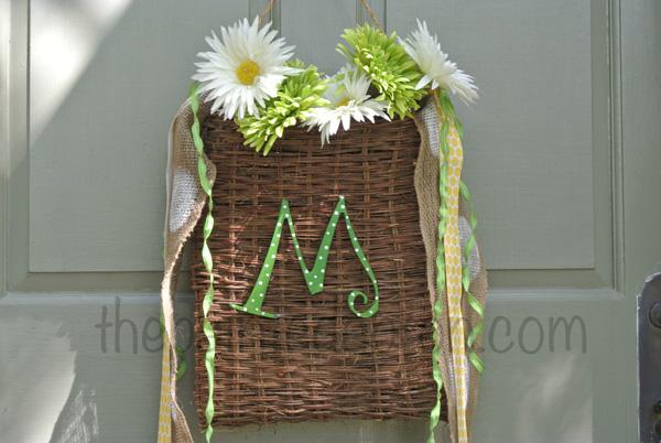 daisy door basket thepaintedapron.com