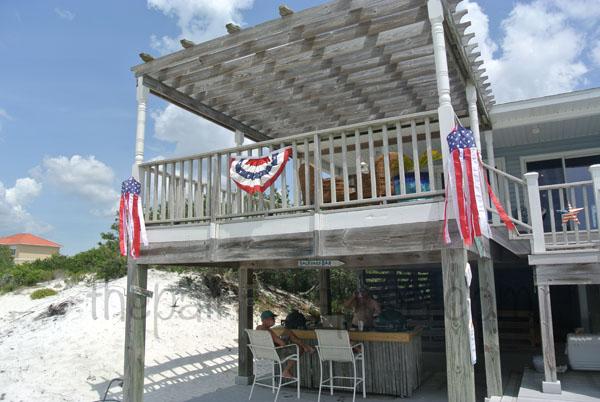 beach bar thepaintedapron.com
