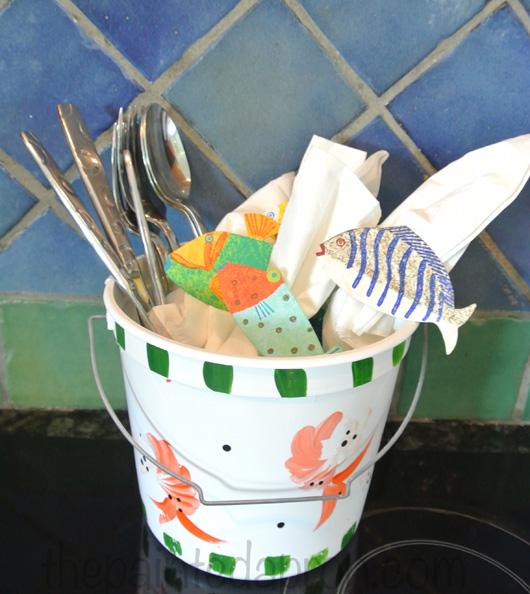 utensil bucket thepaintedapron.com