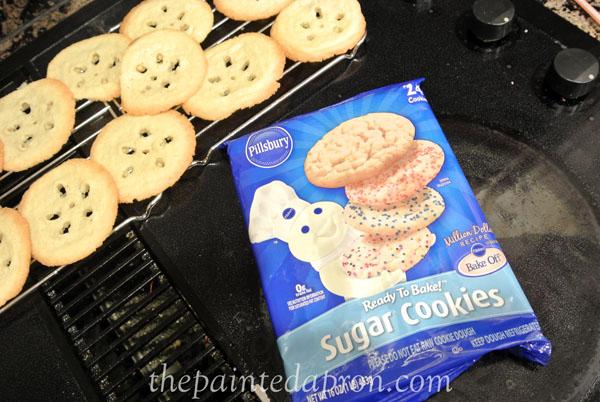 sand dollar cookies 2 thepaintedapron.com