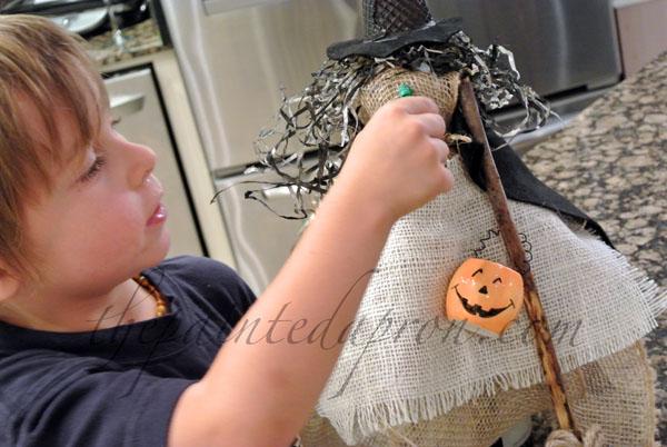 burlap witch thepaintedapron.com 1