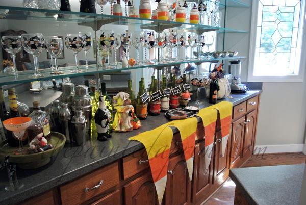 candy corn banner thepaintedapron.com