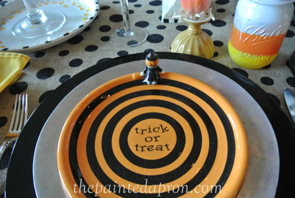 trick or treat plate thepaintedapron.com