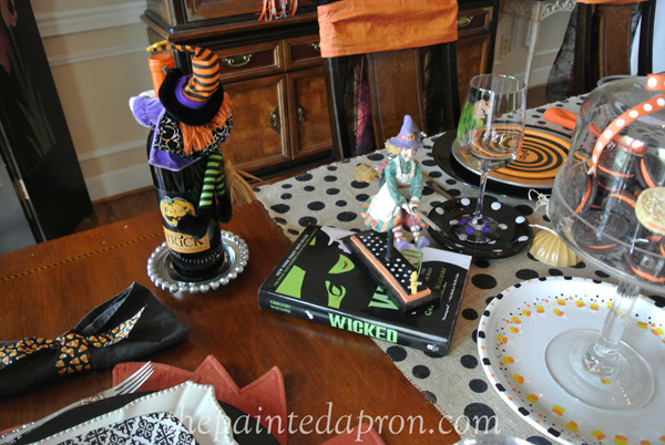 witch table thepaintedapron.com