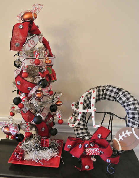 Alabama tree and wreath thepaintedapron.com