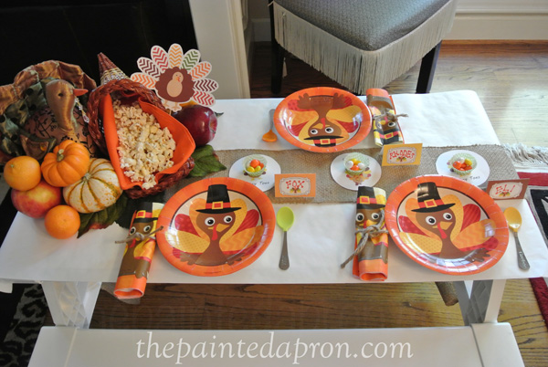 childrens Thanksgiving table thepaintedapron.com