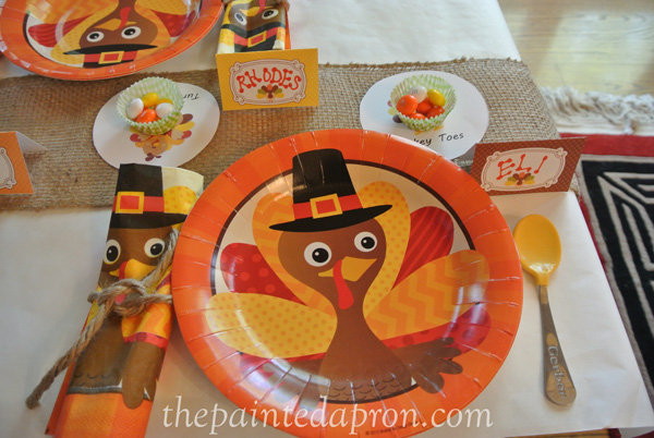 turkey table thepaintedapron.com