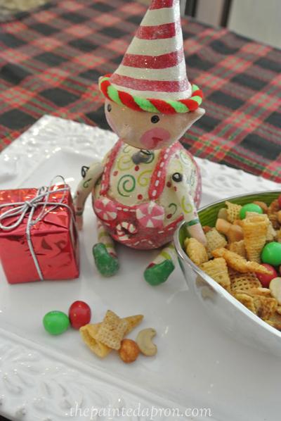 Christmas Chex mix thepaintedapron.com