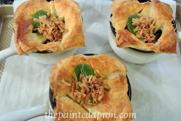 green bean casserole chicken pot pies thepaintedapron.com