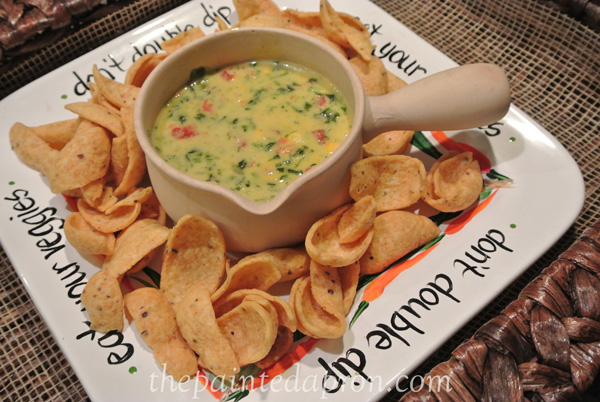 spinach queso thepaintedapron.com