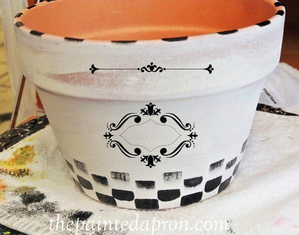 painted label pot thepaintedapron.com