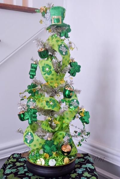 St Pats Day tree thepaintedapron.com