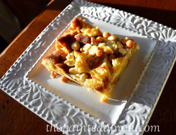 white chocolate butterscotch bread pudding thepaintedapron.com