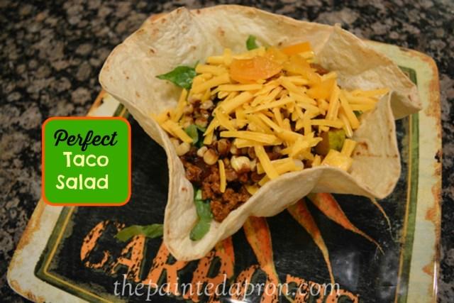 warm taco salad thepaintedapron.com