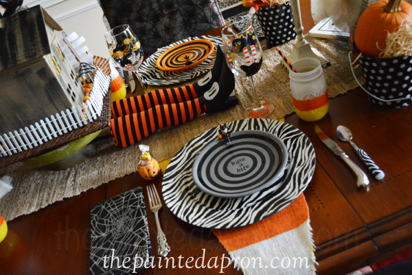 Halloween place setting 1a thepaintedapron.com
