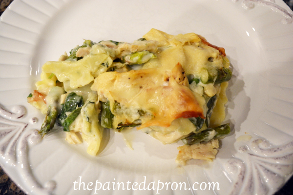 spinach and chicken ravioli alfredo thepaintedapron.com