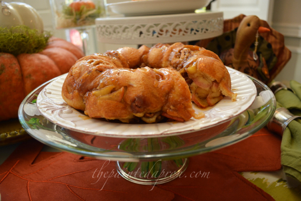 crescent roll cake thepaintedapron.com