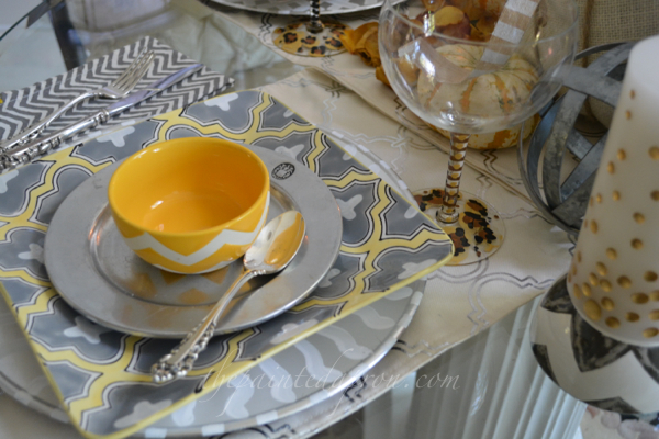 gray and gold table thepainteapron.com