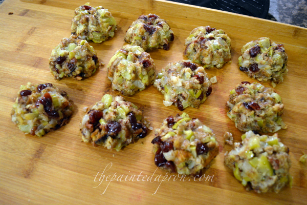 stuffing in a muffin thepaintedapron.com