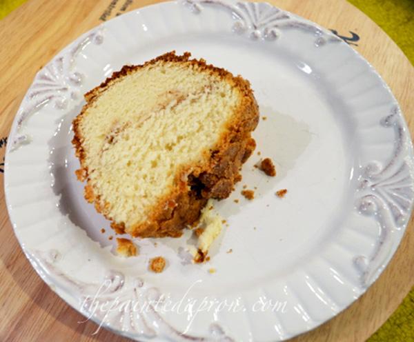pound cake thepaintedapron.com