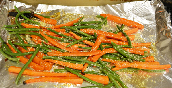 roasted carrots and green beans thepaintedapron.com