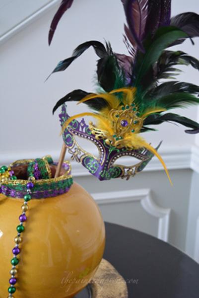 mardi gras mask thepaintedapron.com