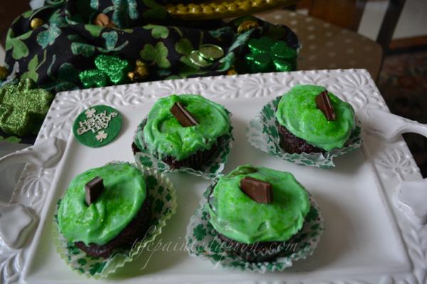 Creme de Menthe cupcakes 1 thepaintedapron.com