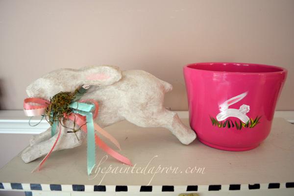 hopping bunny pot 1 thepaintedapron.com