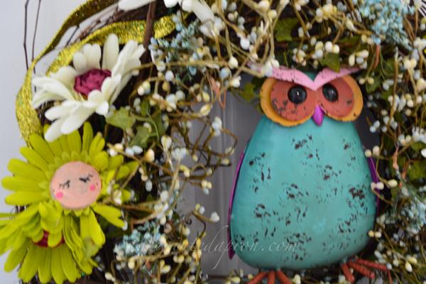 owl spring wreath thepaintedapron.com