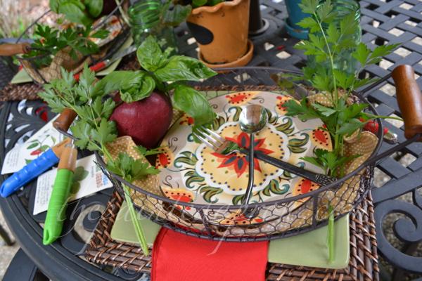 garden table 4 thepaintedapron.com