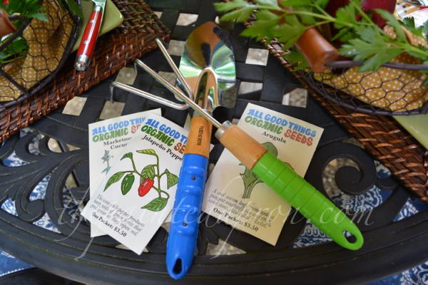 garden table 5 thepaintedapron.com