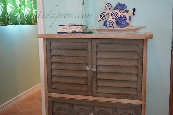 beach cabinet