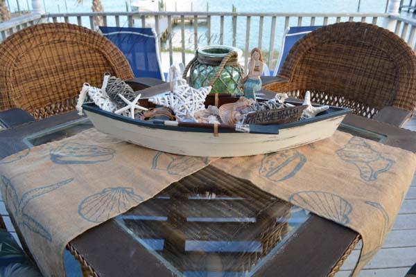 shell boat with folded runner thepaintedapron.com