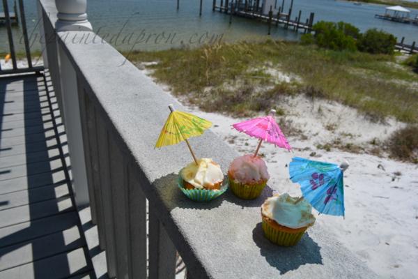 beach bum butter run cupcakes thepaintedapron.com