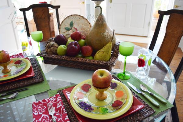 apple table 2 thepaintedapron.com