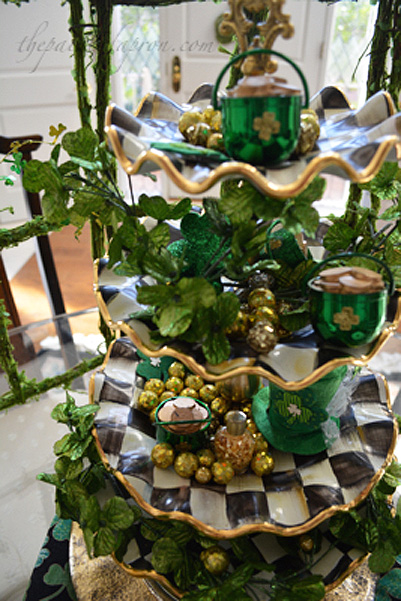 St. Patrick's Day Gold 1 centerpiece