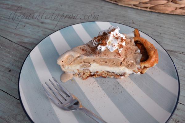 cinnamon roll & ice cream pie
