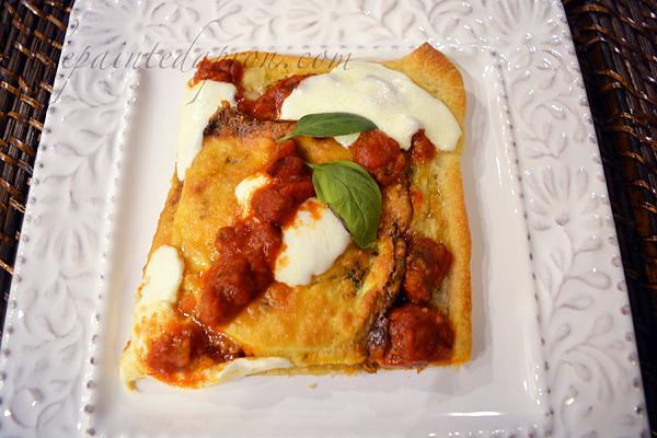 eggplant-parmigiana-pizza-with-basil-pesto-crust