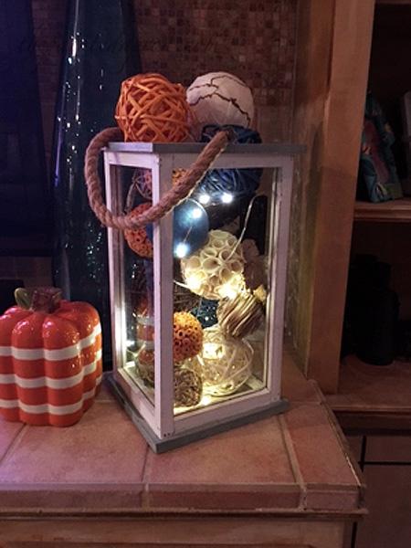 fall-lighted-lantern