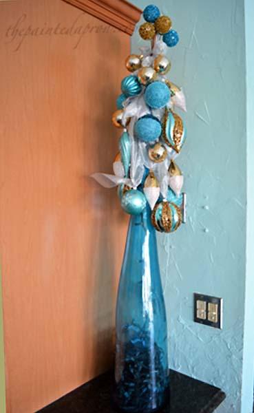 holiday-bottle-tree