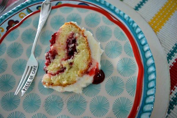 raspberry-cake-slice