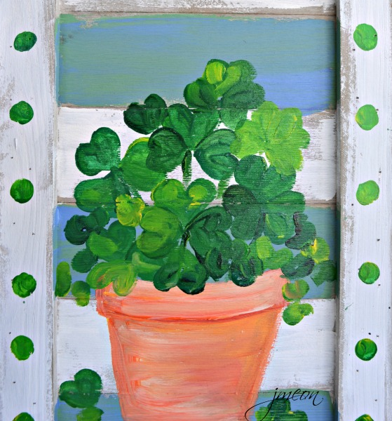 pot-of-lucky-shamrocks