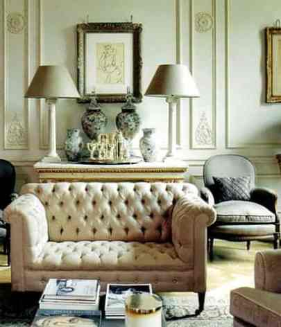 A Traditionally Styled Living Room