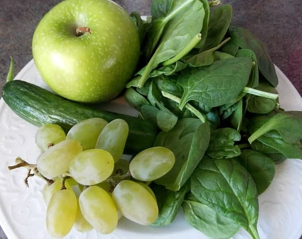Spring-Green-Smoothie-ingredients