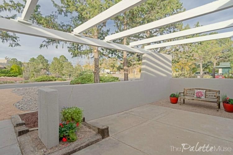 flip-house-courtyard