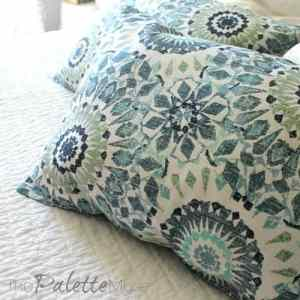 Pillows from Placemats in 3 Easy Steps