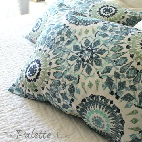 Pillows From Placemats In 3 Easy Steps The Palette Muse