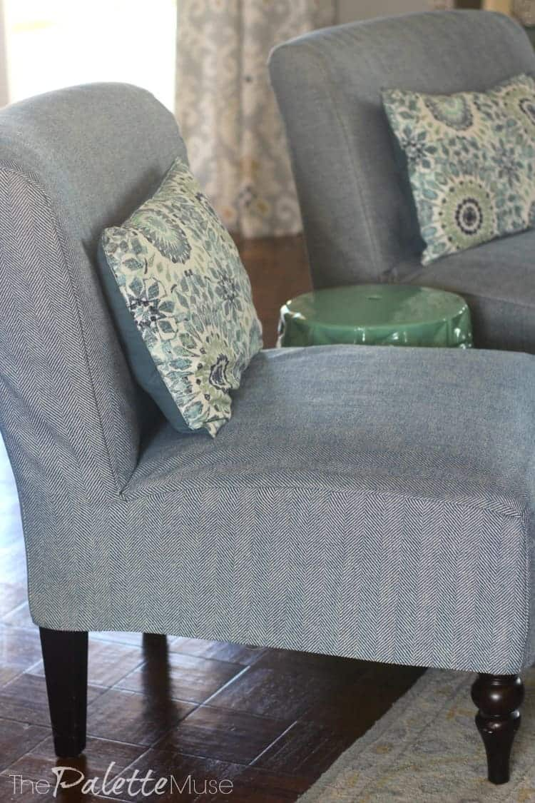 These simple chair covers are so easy, even I could make them! #DIYdecor #chaircovers #thepalettemuse